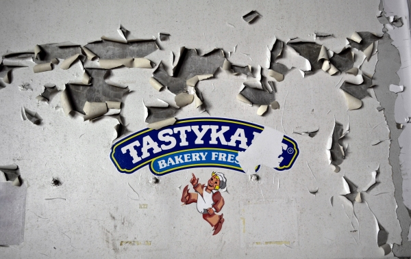 Inside Philly's Abandoned Tastykake Factory with Ruin Porn
