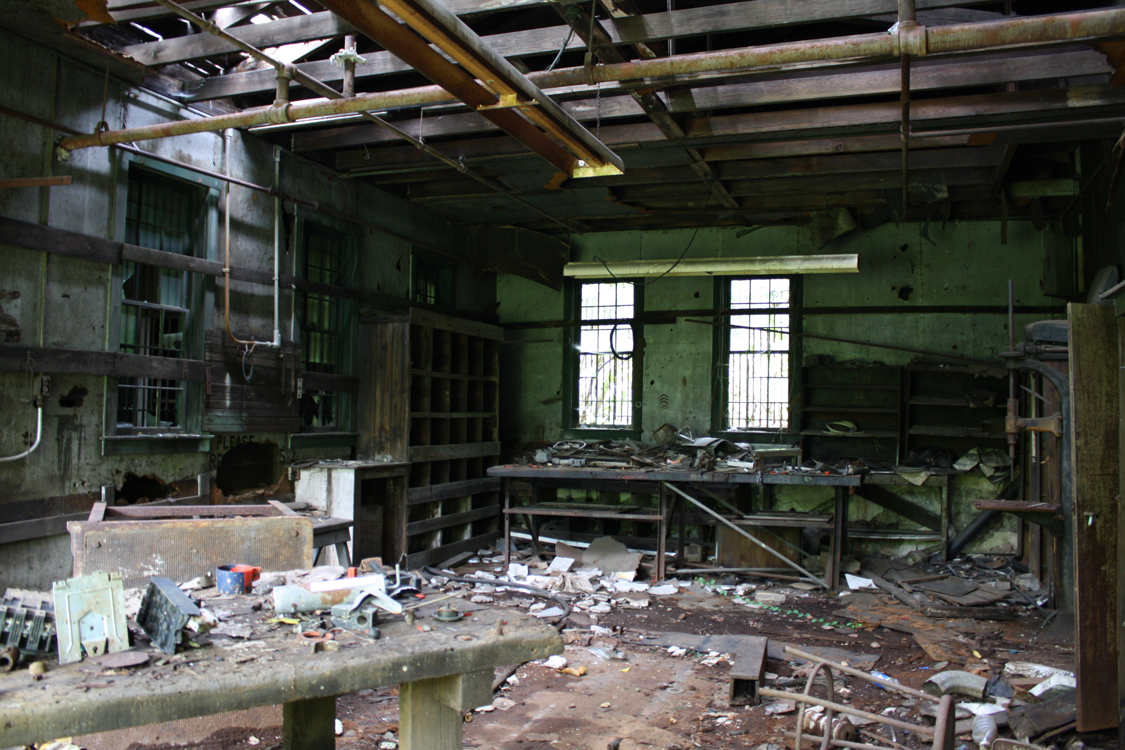 Is love to explore abandoned places like this BACK TO WHERE IT