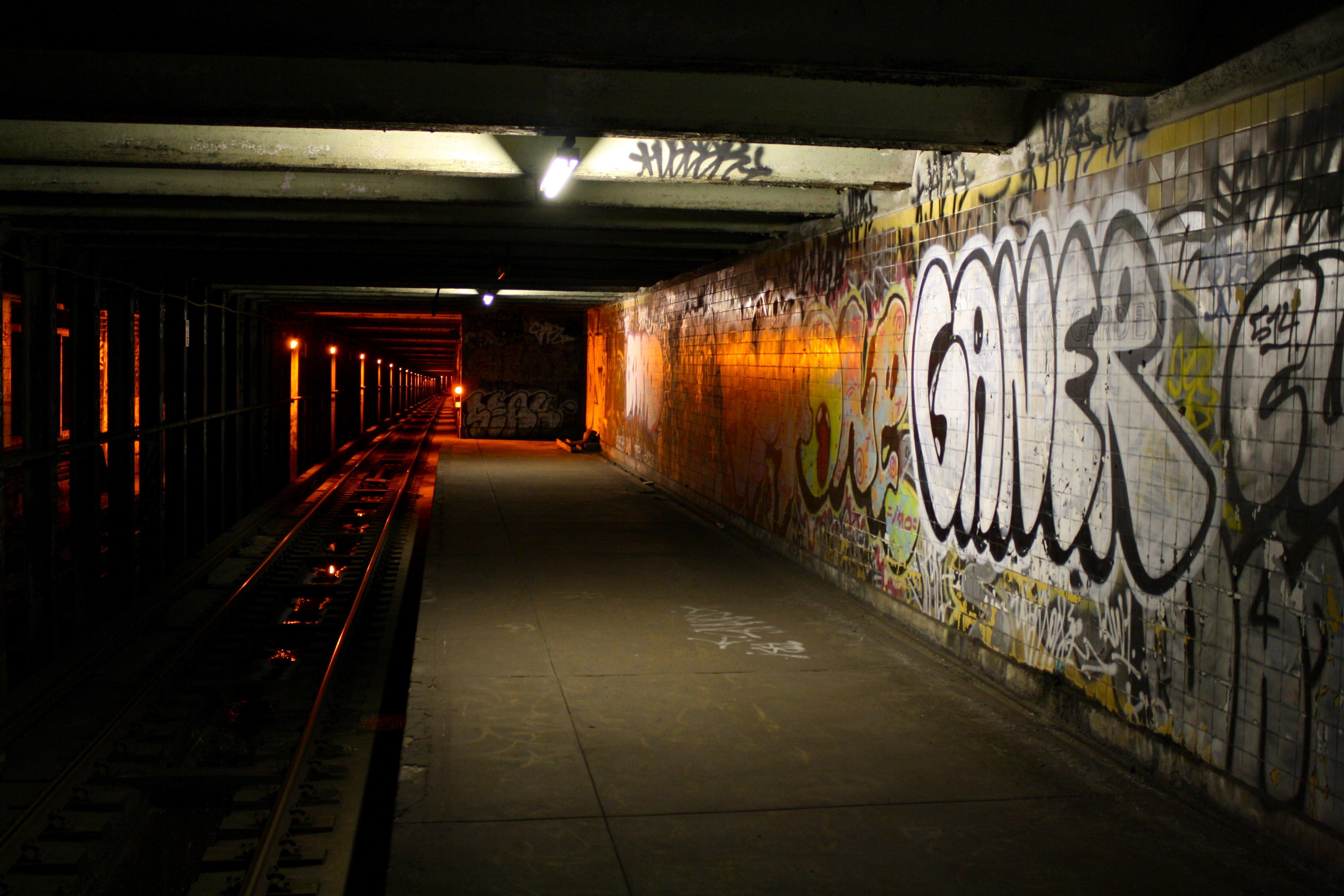 exploring philadelphia�s abandoned subway stations
