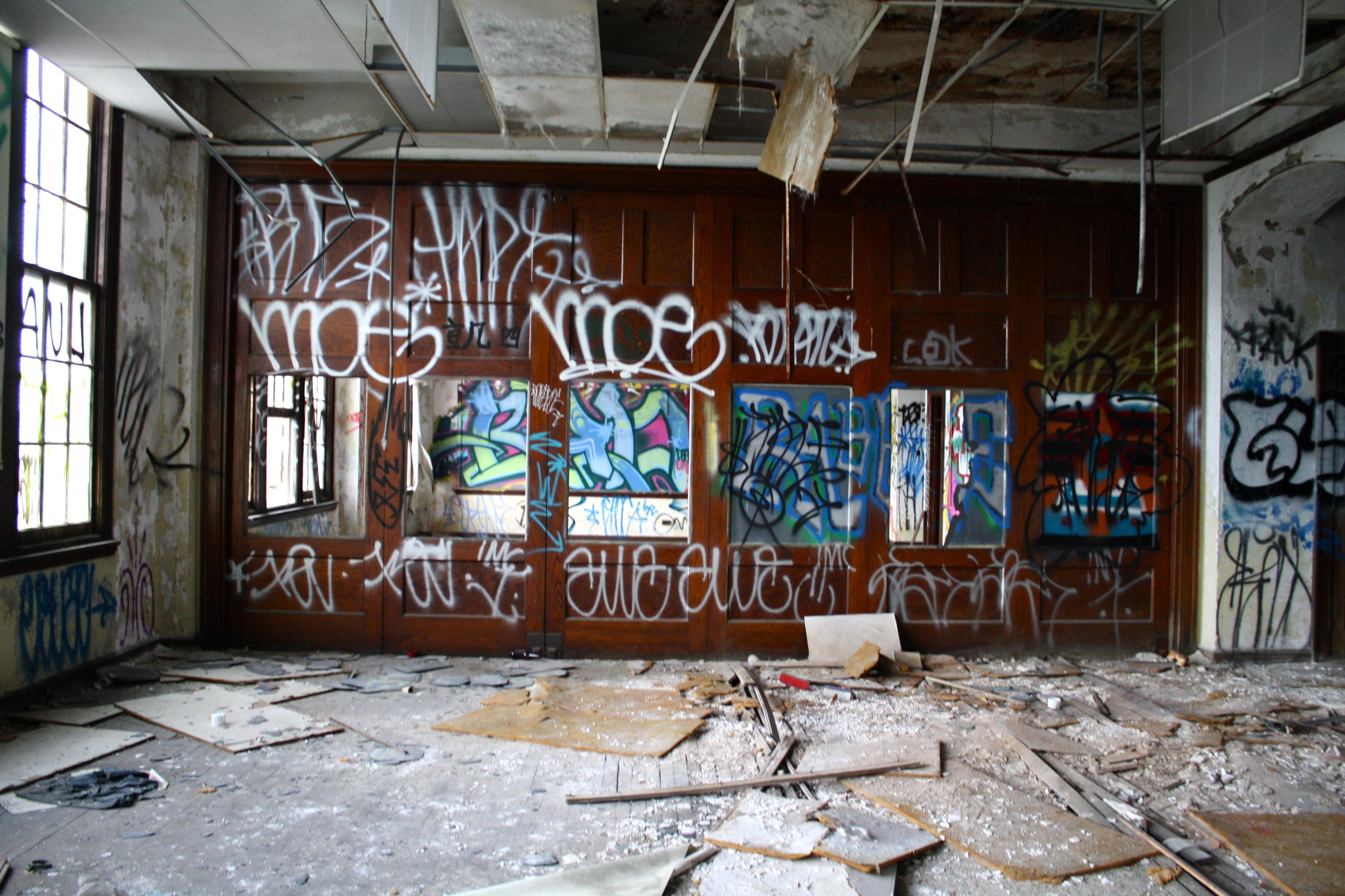 Inside One Of Philadelphia S Abandoned Schools Streets Dept