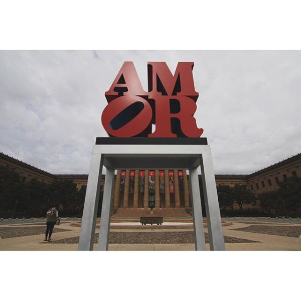 """This morning, in honor of the Papal visit, the @PhilaMuseum and the @assocPublicArt installed #RobertIndiana's """"Amor"""" on the Museum's East Terrace. With #Philly's iconic """"Love"""" sculpture just at the other end of the Parkway, the two will effectively sandwich our temporary visitors in love... Very cute, y'all."""